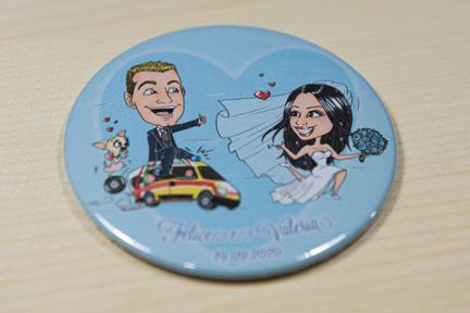Magnete con caricatura sposi in corsa