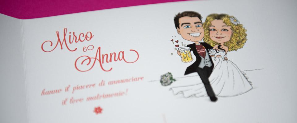 Sposi con birra su partecipazione con caricatura