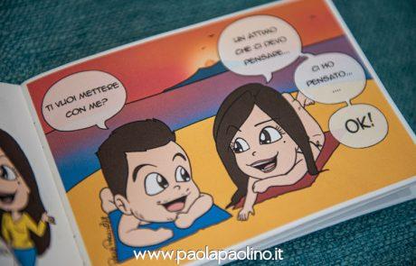 Mini book con le caricature della coppia